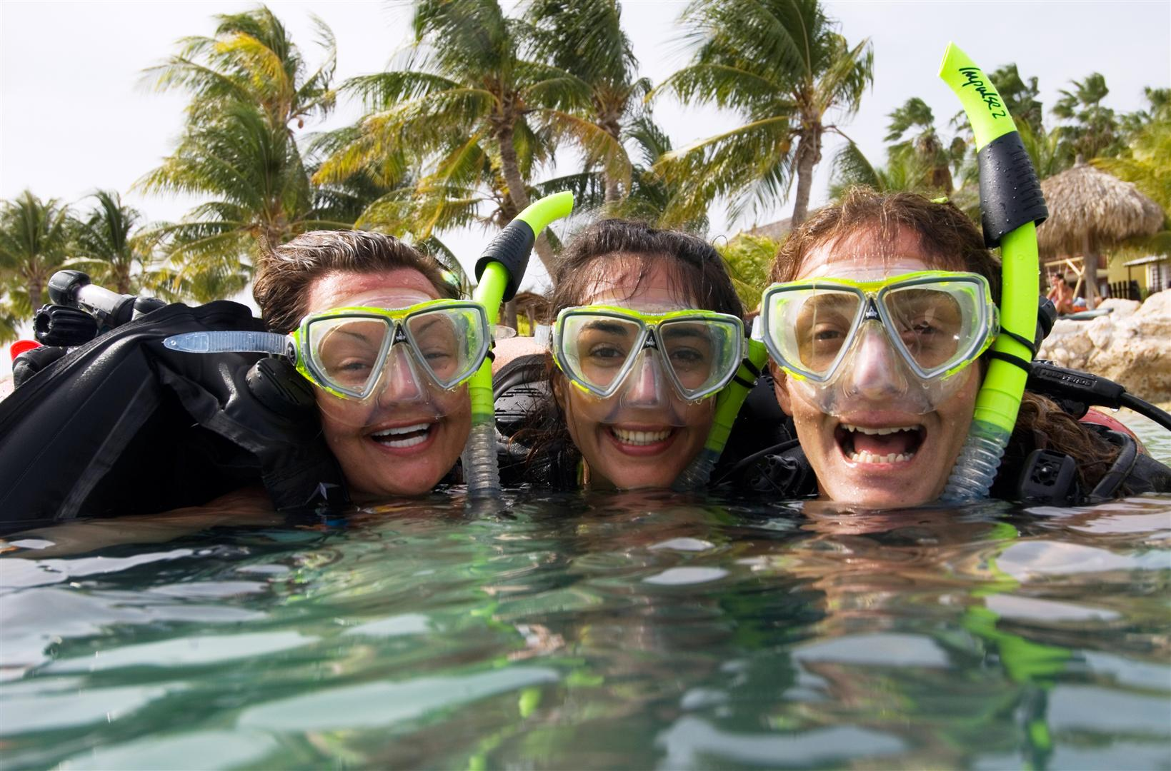 PADI Open Water Scuba Divers having Fun!
